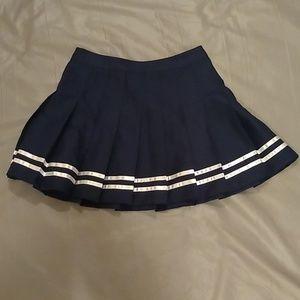Forever 21 navy blue and white pleated mini skirt